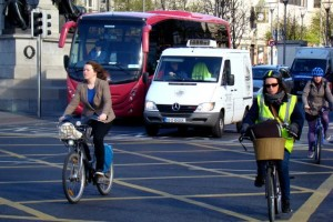 City cyclists (CC BY-NC-SA 2.0 Cian Ginty-Flickr)